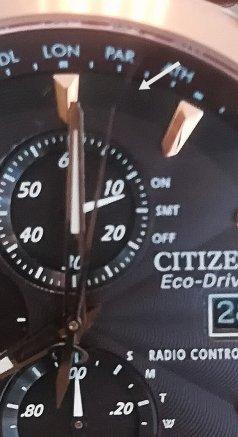 El segundero del Citizen H800 indica PARIS